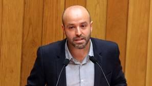 Villares recupera el discurso indignado en su debut parlamentario