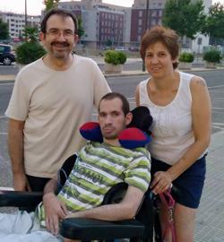 Samuel, con sus padres