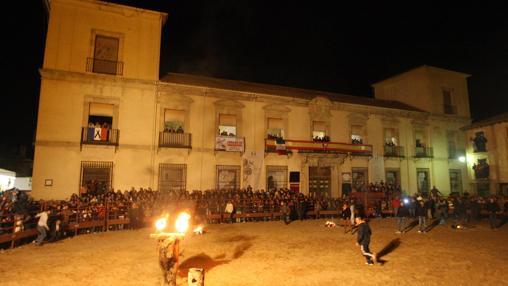 La Plaza Mayor de la villa ducal se convierte en coso desde hace siglos