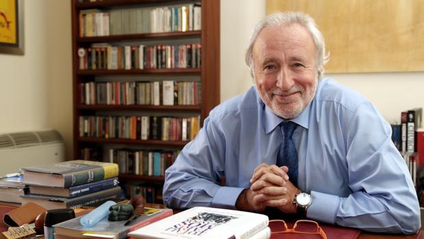 Fernández Teixido, en su despacho