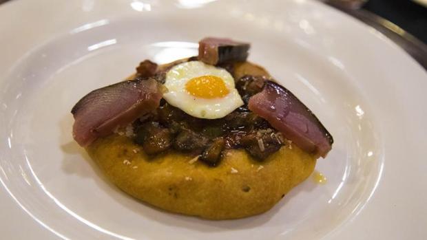 Coquetes de la Marina Alta, segundo plato del menú inspirado en la novela sobre nazis de Clara Sánchez