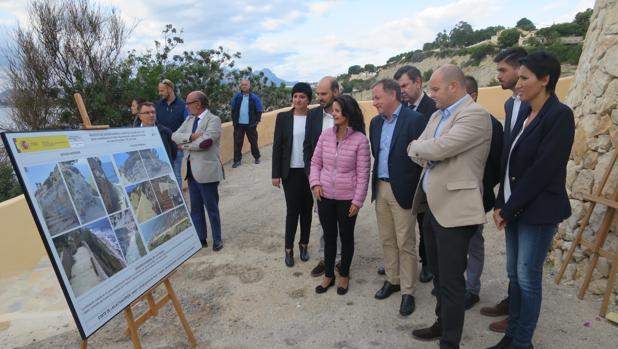 Imagen de Moragues durante su visita de este lunes a Teulada