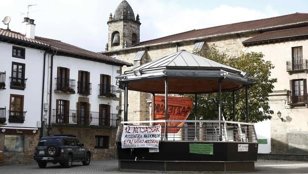 Pancartas de apoyo a los arrestados por la agresión en Alsasua