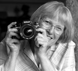 Desde hace casi treinta años, Renate Takkenberg Krohn ha documentado fotográficamente el patrimonio toledano