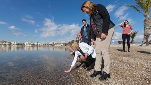 Cretu ha visitado el Mar Menor durante su visita a Murcia