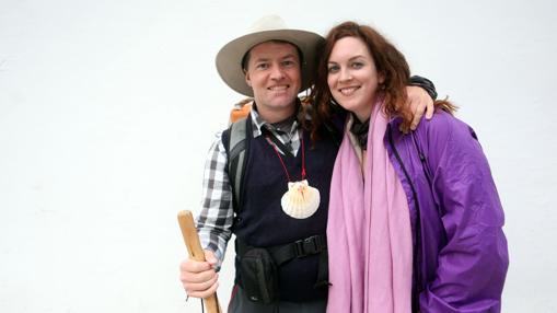 Paul McGranaghan y Martina Callanan, dos amigos irlandeses de 39 y 34 años que han peregrinado desde Saint-Jean-Pied-de-Port, en los Pirineos, durante cuarenta días