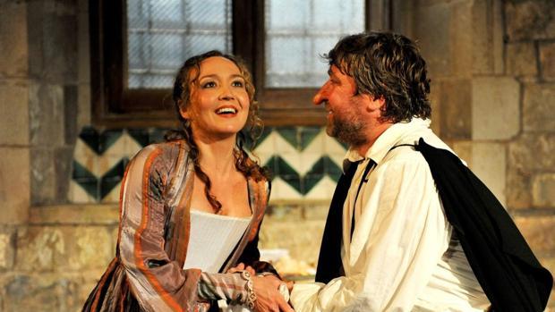 """La compañía """"La perla 29"""", una de las beneficiarias de la dotación extra presupostaria, en la obra """"Cyrano de Bergerac"""""""