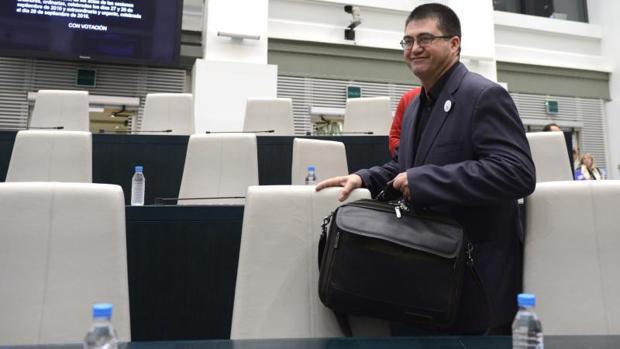 El delegado del Área de Economía y Hacienda del Ayuntamiento de Madrid, Carlos Sánchez Mato, en un pleno