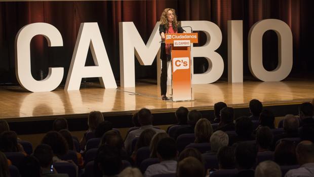 Imagen de Carolina Punset tomada en la campaña de las autonómicas de 2015