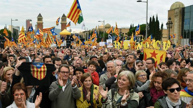 Artur Mas y Carme Forcadell, en una manifestación independentista contra las causas judiciales