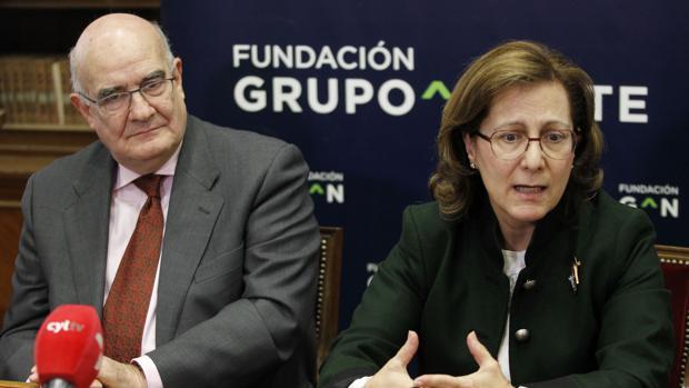 El presidente de la Fundación Grupo Norte, Javier Ojeda, presenta el II Premio de Periodismo contra la Violencia de Género
