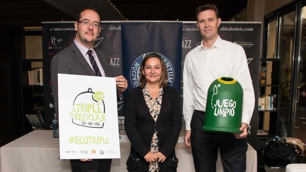 Jose Luis Magro, Carmen Catalá y Antonio Gallego, en la presentación de la campaña