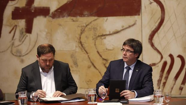 Junqueras y Puigdemont, en la reunión del Gobierno catalán