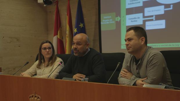 María Díaz, José García y David Llorente, en rueda de prensa