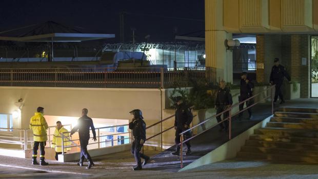 Imagen del motín ocurrido el lunes por la noche en el CIE de Murcia