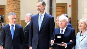 El Rey, en el centenario de «La Comercial» de Deusto