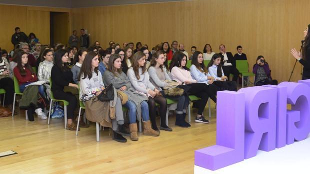 Asistentes a la presentación de la iniciativa en Burgos
