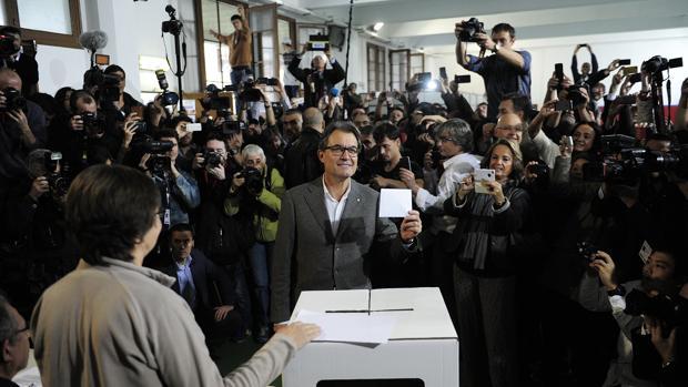El TSJC rechaza definitivamente juzgar a Mas por malversación por el 9-N