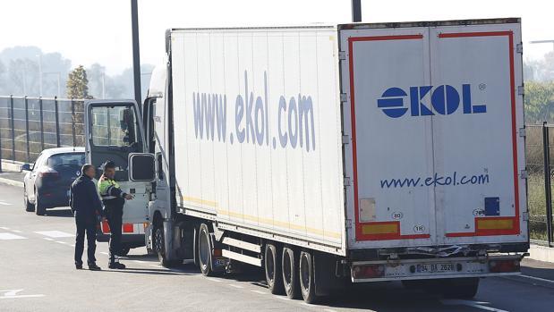 El camión en el que viajaban ocultos los diez inmigrantes