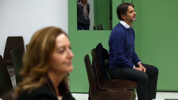 Carina Mejías y Oriol Pujol, esta mañana en el juzgado