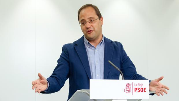 El ex secretario de Organización del PSOE, César Luena