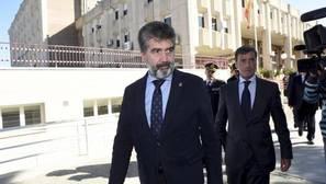 Cosidó visita por sorpresa el CIE de Murcia y da instrucciones para mejorar su seguridad