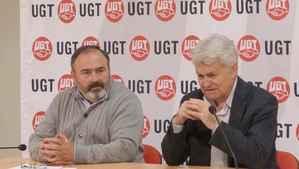 Los secretarios generales de CC.OO. y UGT de Castilla-La Mancha, José Luis Gil y Carlos Pedrosa