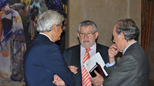 Felpeto, en el Teatro Real de Madrid conversa con García-Berenguer y Gregorio Marañón