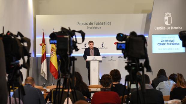 El portavoz del Gobierno durante la rueda de prensa para dar cuenta de los acuerdos del Consejo