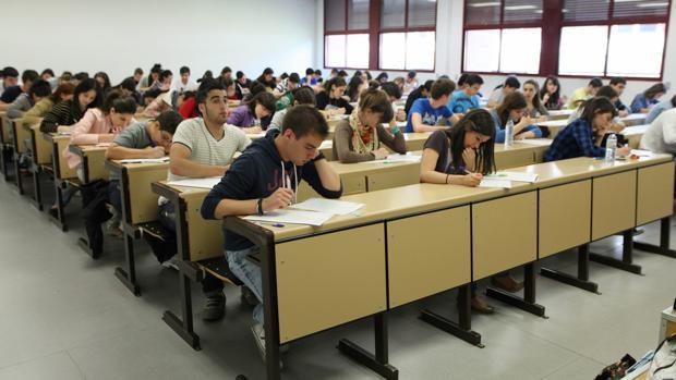 Alumnos de Bachillerato, en una de las pruebas de acceso a la universidad