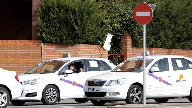 Los taxistas podrán trasladar a enfermos de diálisis