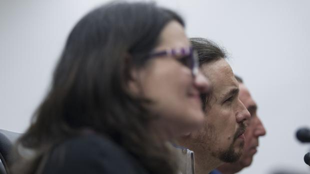 Imagen de Oltra, Iglesias y Baldoví en un acto celebrado en Madrid