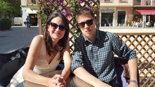 Imagen de Oltra y Errejón tomada en una terraza de Valencia