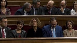 El PSOE castiga a los más próximos a Sánchez pero mantiene a Margarita Robles