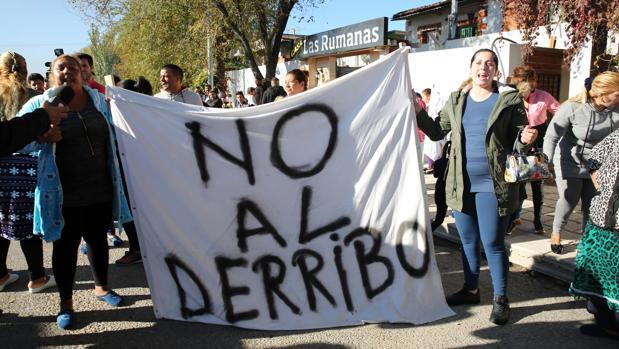 Barricadas y protestas en la Cañada Real para evitar el derribo de infraviviendas ilegales