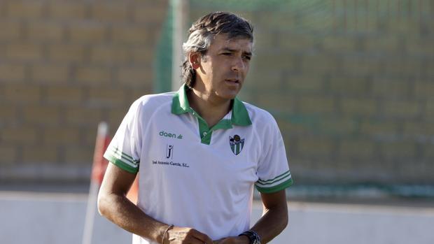 Mateo García ha sido destituido como entrenador del Gujielo