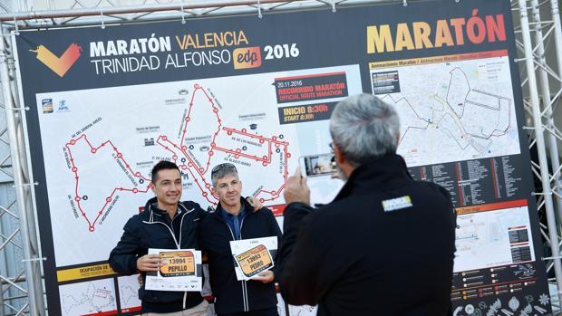 Imagen de un grupo de participantes del Maratón