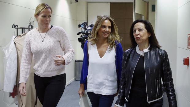 De izquierda a derecha, Zaida Cantera, Susana Sumelzo y Margarita Robles