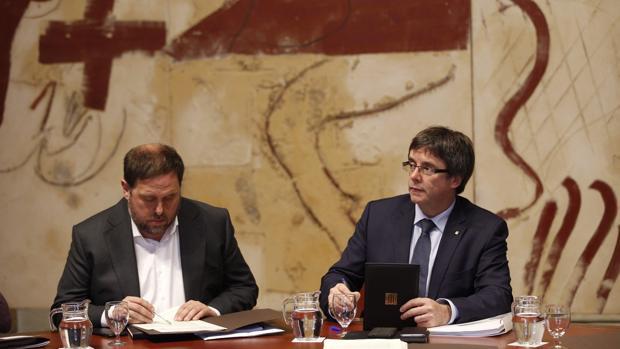 Junqueras, junto al presidente catalán, Carles Puigdemont