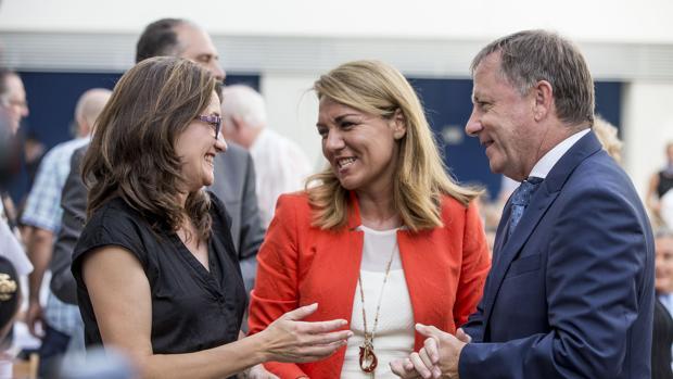 Susana Camarero y Juan Carlos Moragues, junto a la vicepresidenta del Consell Mónica Oltra en una imagen de archivo