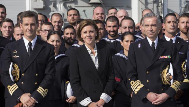Cospedal ha llegado este sábado a Sicilia en su primera visita a las tropas españolas desplegadas en el exterior