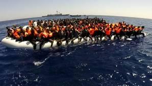 Cospedal viaja a Sicilia para visitar a las tropas en la misión de la UE contra la inmigración ilegal