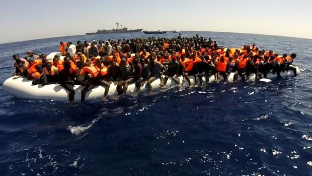 Imagen de archivo de un rescate en la misión europea en el Mediterráneo