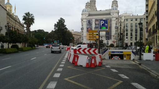 Detalle de la señalización en la plaza Tetuán