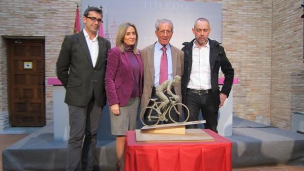 Eduardo Sánchez Butragueño, Milagros Tolón, Federico Martín Bahamontes y Javier Molina
