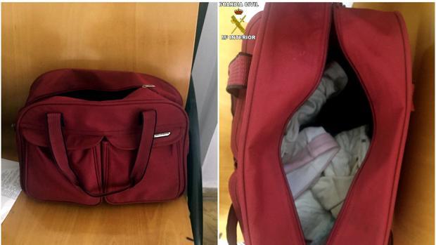 A la niña la encontraron oculta por mantas en ua bolsa, con síntomas de asfixia