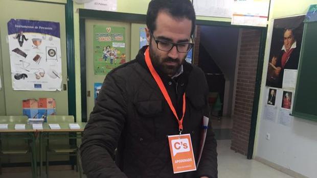 Daniel Hernández, en una fotografía publicada en su perfil de Twitter
