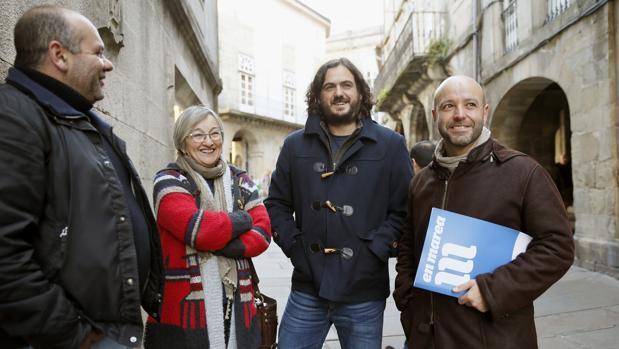Cuña, Sánchez y Villares antes de una rueda de prensa en la sede del partido
