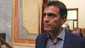 La gestora del PSOE trata a Sánchez como un «militante»