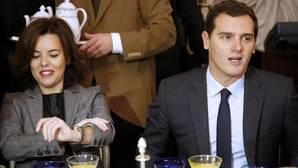 Santamaría pide «lealtad institucional» a la Generalitat de Cataluña